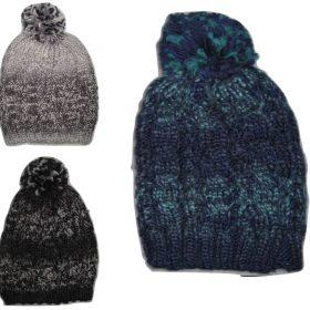 כובע צמר ופומפון