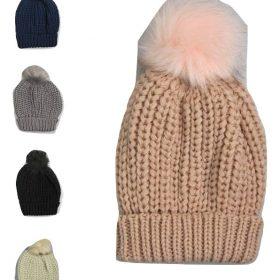 כובע פון פון צמוד